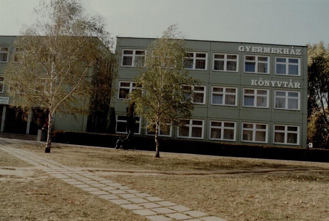 Hild Viktor Könyvtár 2000