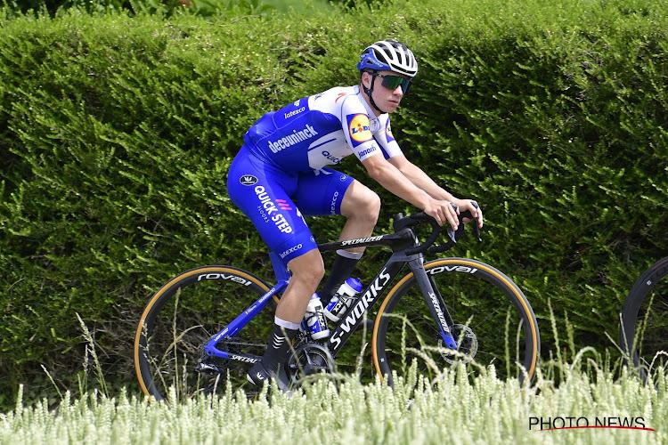 """Steels geeft stand van zaken over Evenepoel: """"Voor ploeg belangrijk dat hij goed uit Giro komt, het kan alle kanten uit"""""""