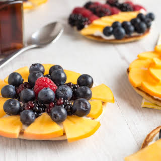 Make Your Breakfast More Beautiful With These Pancake Fruit Tarts!.