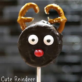 How to Make Cute Reindeer Christmas Cookie Pops.
