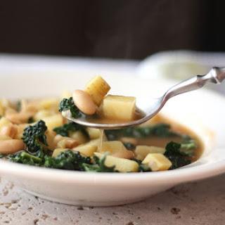 Italian White Bean, Potato and Kale Soup