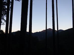 朝日射す大棚山