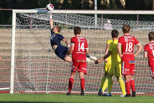 Kauden ensimmäisessä kotiottelussaan FC Jazz ei onnistunut maalinteossa. Kertaalleen kokeiltiin pystytolpan ja kertaalleen yläriman lujuutta.