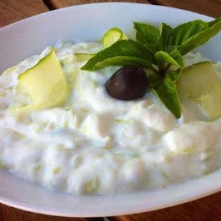 Tzatziki sauce Recipe (Greek Yogurt and Cucumber Sauce).
