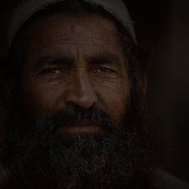 by Leyon Albeza - People Portraits of Men ( headshot, men, portraitphotography, portrait, human )