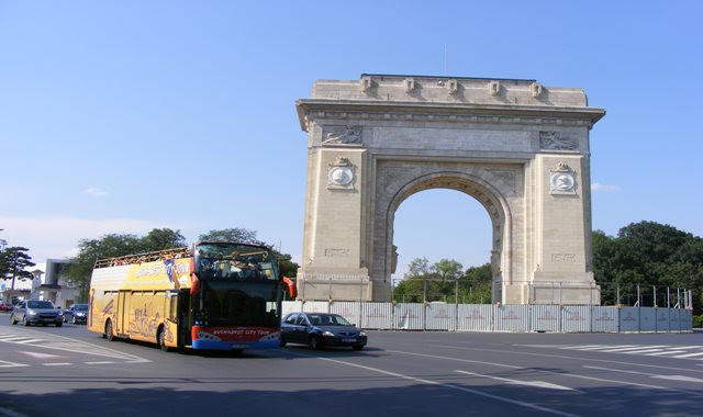 Bucharest City Tour at Arch of Triumph