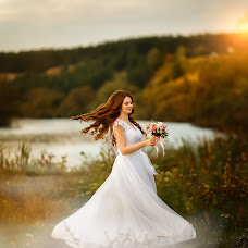 Wedding photographer Evgeniya Rossinskaya (EvgeniyaRoss). Photo of 11.09.2016