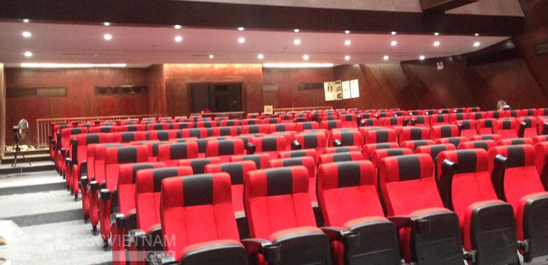 Chọn kích thước ghế phù hợp không gian hội trường