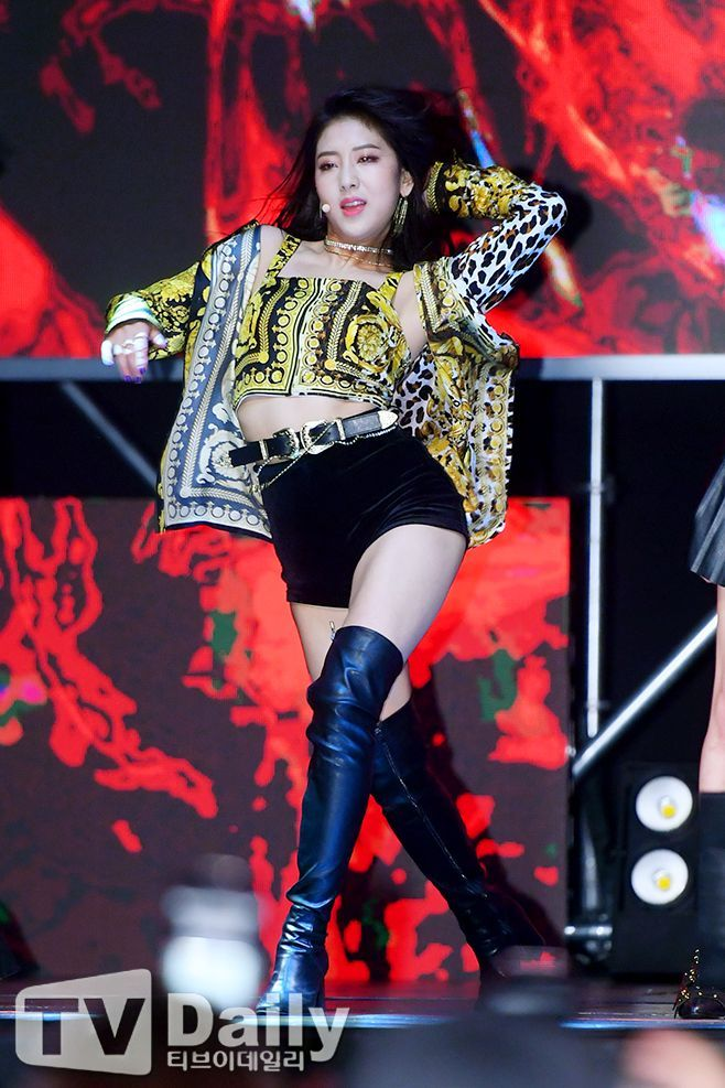 seungyeon body 3