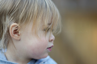 Photo: Sony Alpha 580 w/ 85mm f/1.4 Carl Zeiss lens @ f/1.4 1/160sec, ISO 100 1/250sec, ISO 100