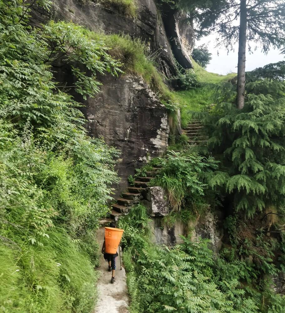 village+near+manali+kullu+manali+photos+himachal+pradesh