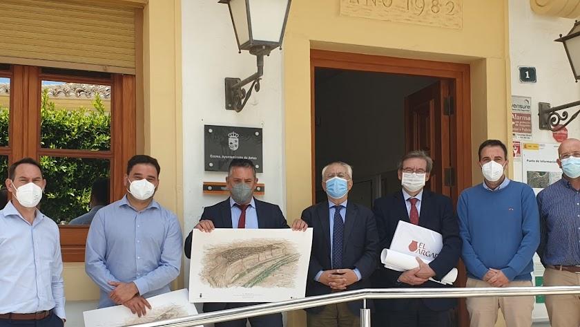 Visita del subdelegado y otros representantes institucionales a Antas.