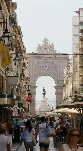 lisbon-walkway-1.jpg - Old city Lisbon shopping area -- it opens to a town square.