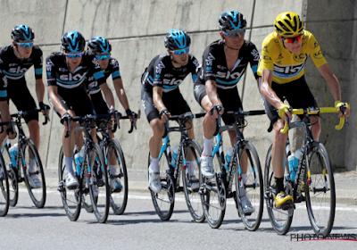 Team Sky laat in etappe naar Roubaix niets aan het toeval over
