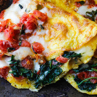 Banging Easy Spinach and Mozzarella Cheese Omelet..