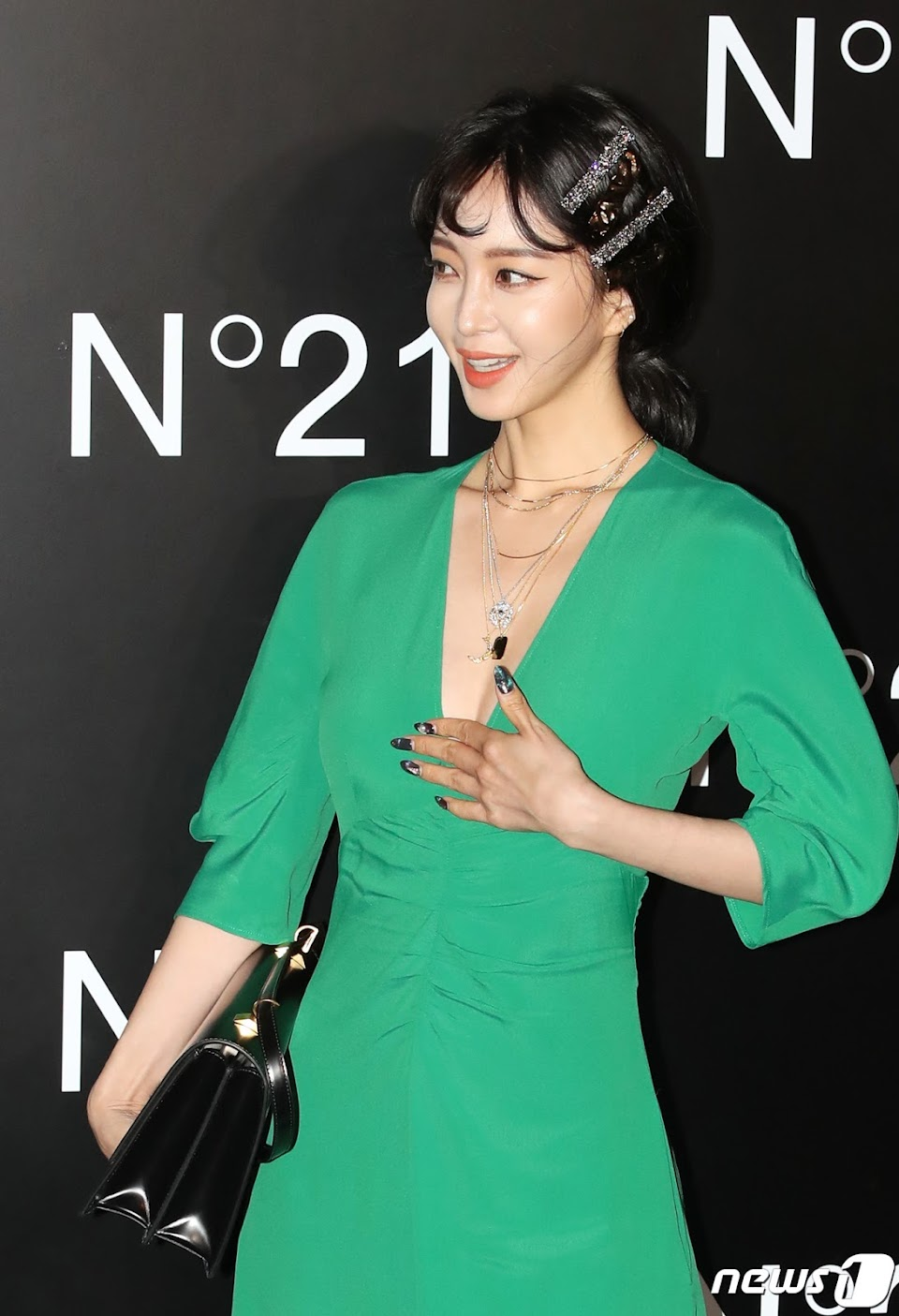 han ye seul green dress 8