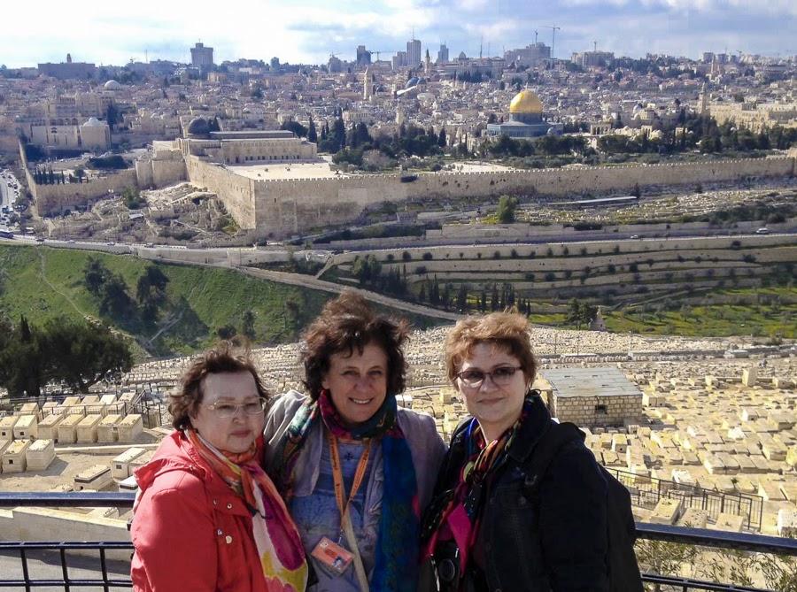 Гид в Иерусалиме Светлана Фиалкова с туристами