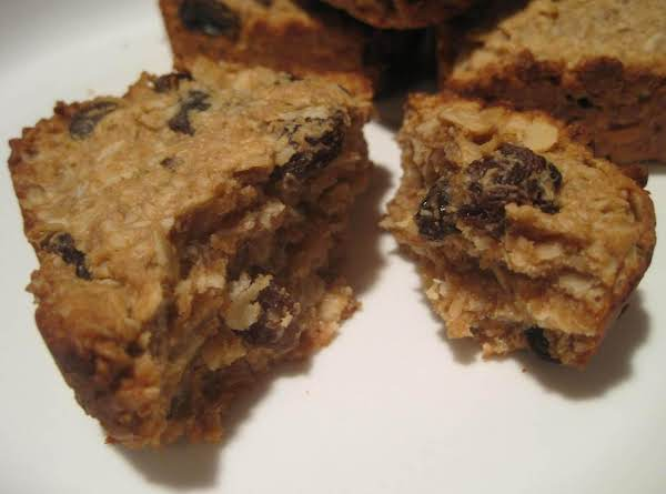 Crunchy Chewy Peanut Butter Granola Bars Recipe