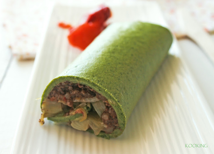 Spinach Roll with Black Sausage and Pepper Sauce Recipe