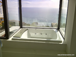 Photo: Detalle del Jacuzzi interior.
