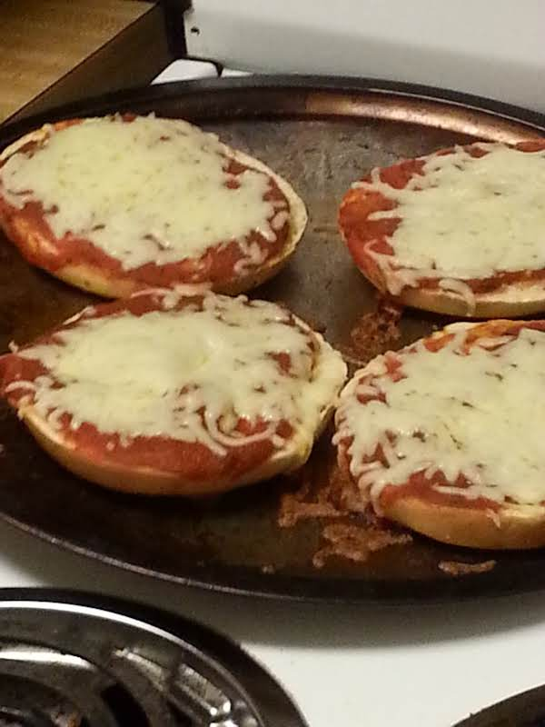 Onion Bagel Pizza Recipe