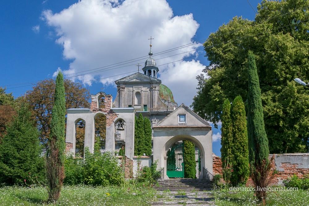 Kostel_vozdvyzhennia_chesnoho_Khrysta_Novyi_Myliatyn