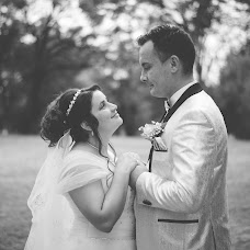 Wedding photographer Cristian Sorin (SimbolMediaVisi). Photo of 04.09.2017
