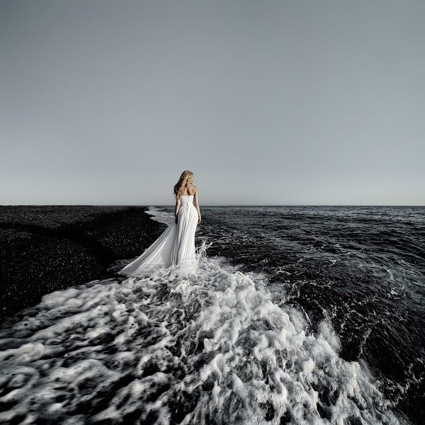 Wedding photographer Igor Bulgak (Igorb). Photo of 08.04.2015