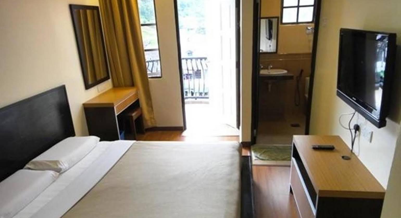 Hotel Chua Gin