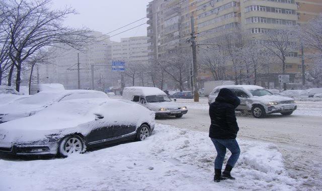 SNOWFALLS IN BUCHAREST IN JANUARY