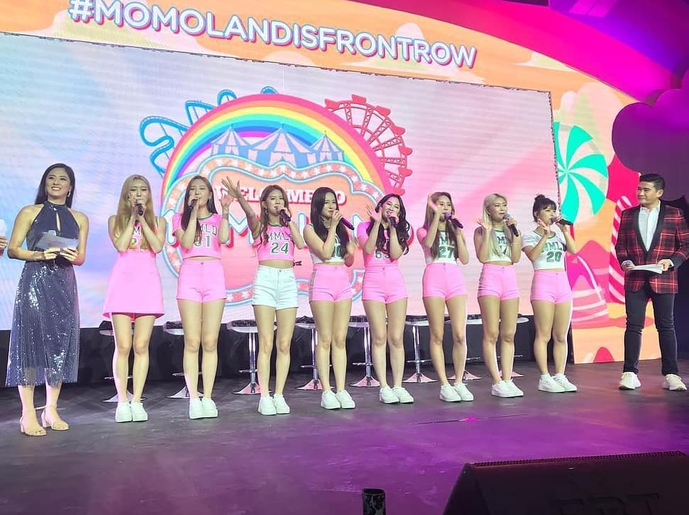 MOMOLAND-FrontRow-01
