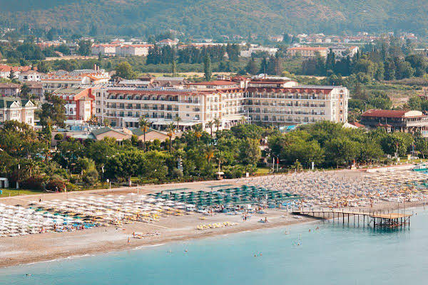 Loceanica Beach Resort