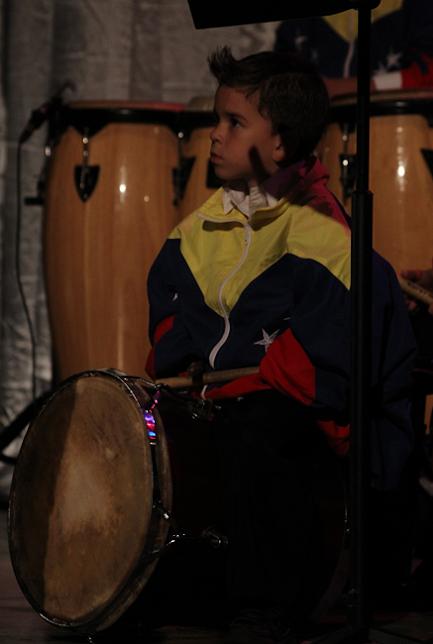 El ritmo zuliano se hizo sentir en la celebración aniversaria del Teatro Baralt.