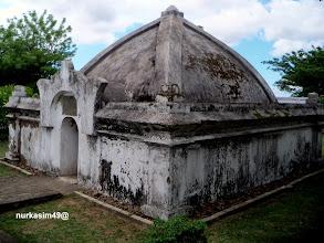 Photo: Makam Raja Gowa ke 11, I-Tajibarani Daeng Marompa Karaeng Data (1565). Lokasi : Katangka, Sungguminasa, Gowa, Indonesia