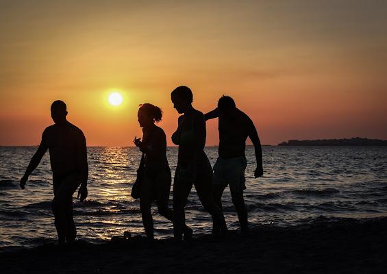 4 amici al tramonto  di ermix97