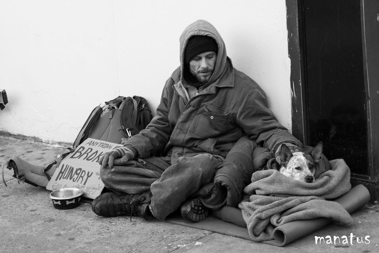 homeless con perro