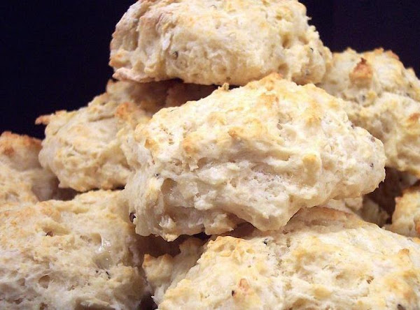 Peppery White Cheddar Biscuits Recipe