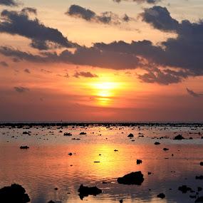 Sunset in Gili Trawangan by Eric Ebling - Landscapes Sunsets & Sunrises ( water, gili, sky, sunset, beach )