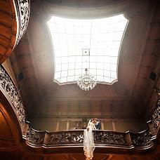 Wedding photographer Viktoriya Dovbush (VICHKA). Photo of 14.10.2013