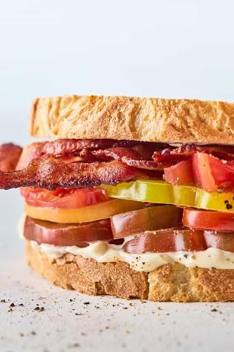 The BEST Tomato Sandwich