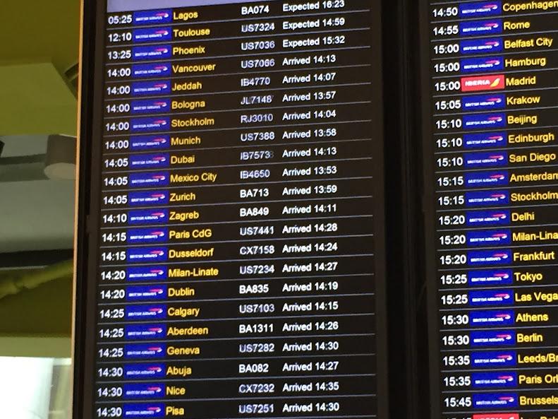 ロンドン・ヒースロー空港 到着ボード