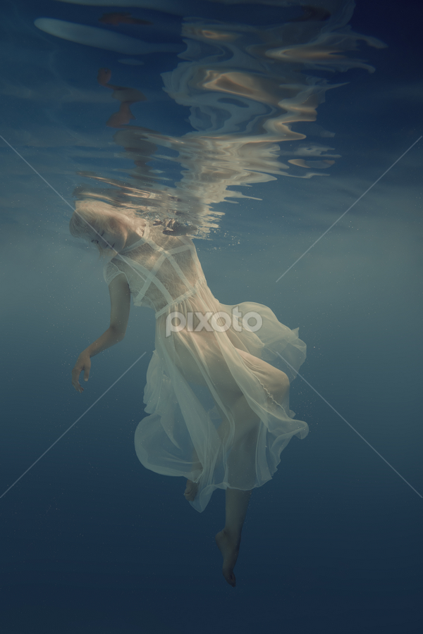 Beautiful lightness by Dmitry Laudin - People Fashion ( dress, woman, reflection, beauty, white, blue, scuba, dive, portrait, water, swim )