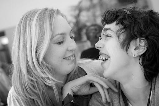 Personne avec un handicap mental et une assistante de la communauté de L'Arche à Grasse