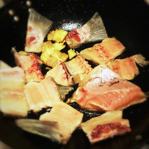 chinese, Fish and Tofu Soup, fish soup, recipe, shun tak, shunde, 拆魚豆腐羹, milky white, creamy, 奶白魚湯