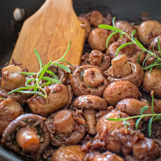Mushrooms in Red Wine Sauce