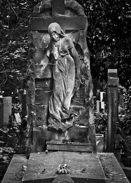 Photo: zombie -- Olsany Cementery, Prague