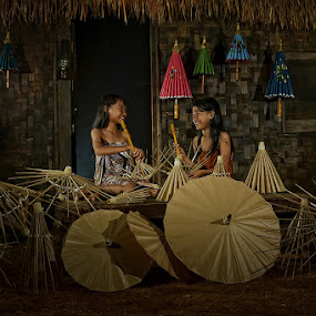 Beauty Umbrella maker by Erwin Saleh - People Group/Corporate