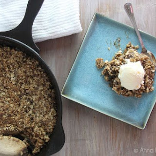 Easy, Delicious Skillet Apple Crisp