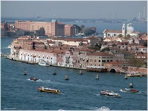Photo: Canal de Guideca desde el campanrio de San Giorgio Maggiore. Venecia. http://www.viajesenfamilia.it