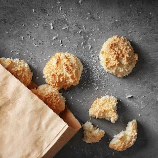 Easy Mini Coconut Macaroons.